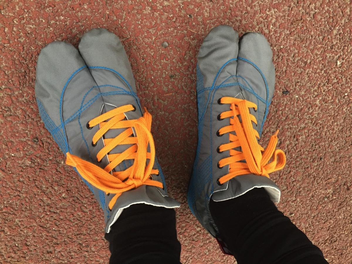 ランニング足袋を履いている写真